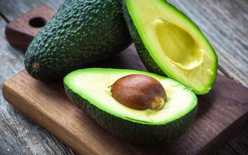 kalorinosti-avokado