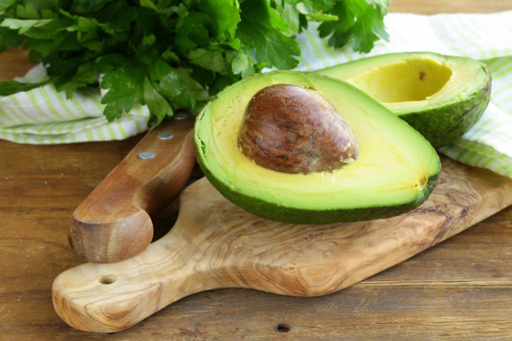 kak viglyadit spelyi avocado vnutri
